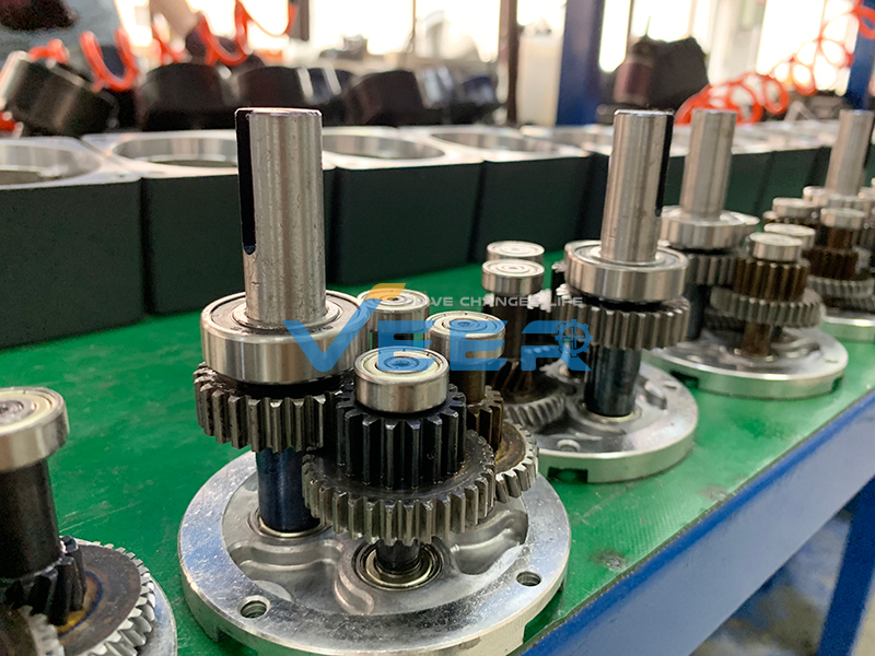 How to adjust gear motor rotate speed? We are gear motor supplier. Gear Reduction Motor, Gear Motor Reduction Ratio, gear motor gear ratio, gear motor teeth, gear reduction motor torque, electric gear motor, how to increase the gear motor torque